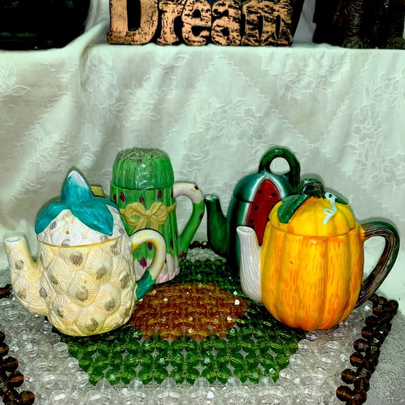 Lot of Vtg Collectible Mini Tea Pots